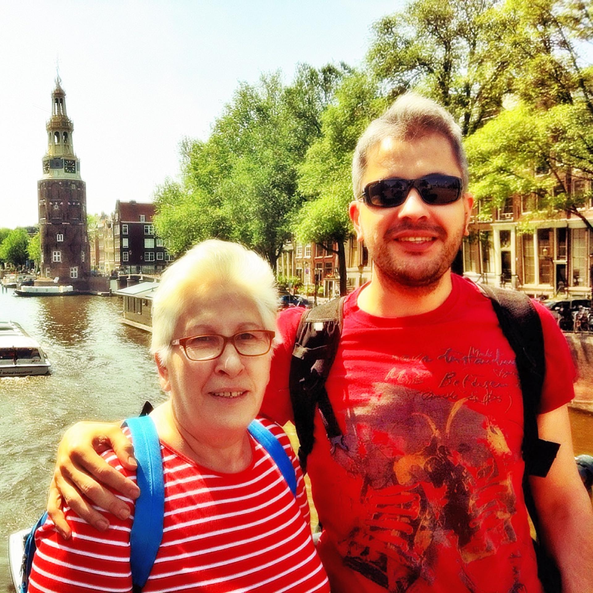 Mom in Amsterdam - Pako Campo