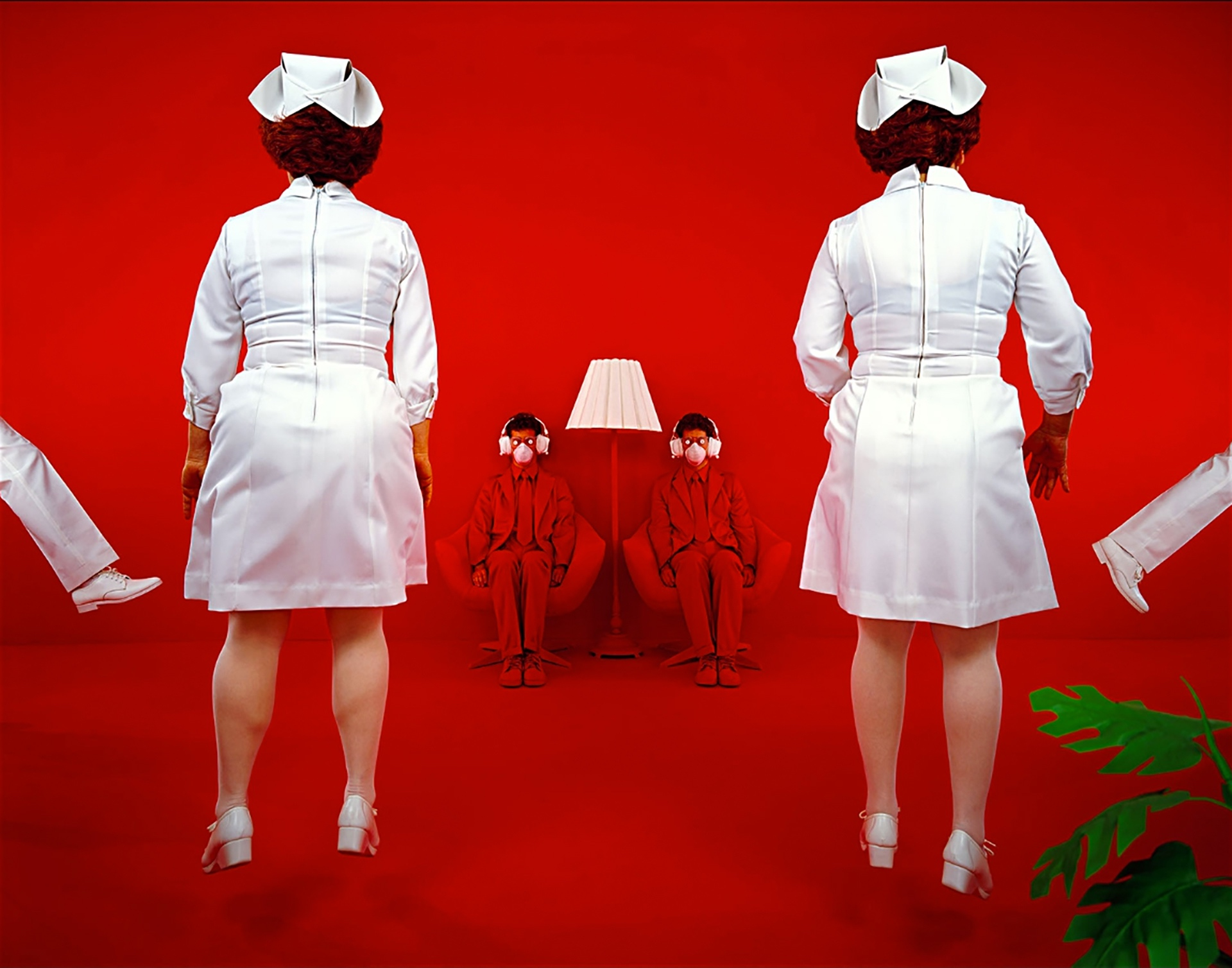 Patients and Nurses(1982) by Sandy Skoglund - Pako Campo