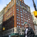 Hanging out in Manhattan by Pako Campo