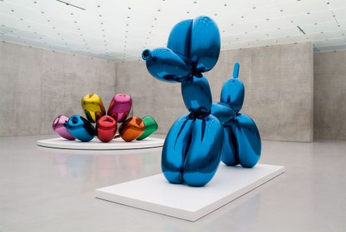 Balloon Dog (Blue) (1994-2000) by Jeff Koons - Pako Campo